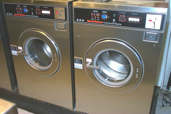 Speed Queen 30lb Front Load Washer Pre Owned Commercial